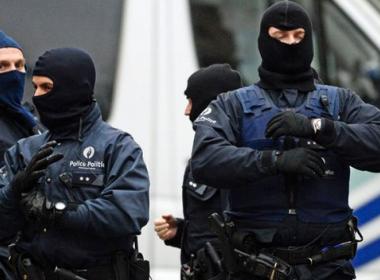 Châu Âu dùng 'chó săn số' để truy quét khủng bố sau nổ bom tại Bỉ - MK