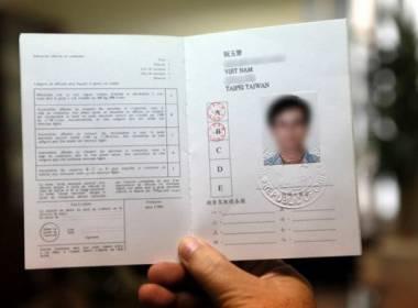 Hướng dẫn cấp giấy phép, bằng lái xe quốc tế tại TP.HCM - Máy in thẻ nhựa, máy dập nổi, đầu đọc thẻ nhựa