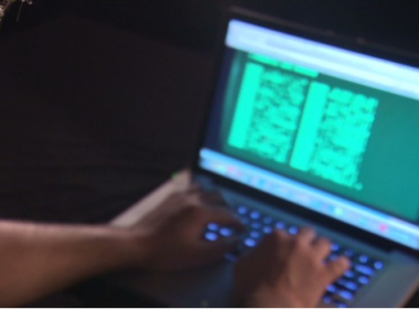 Ngân hàng Việt Nam đã từng bị hacker tấn công gần đây - Máy in thẻ nhựa, máy dập nổi, đầu đọc thẻ nhựa