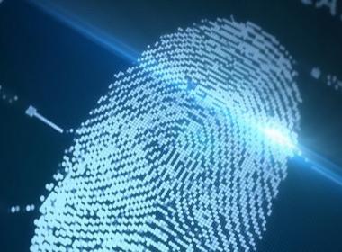 Nhật tiến hành thử nghiệm thanh toán bằng dấu vân tay - Máy in thẻ nhựa, máy dập nổi, đầu đọc thẻ nhựa