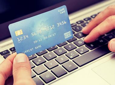 Thẻ tín dụng bị đánh cắp tăng 200%, gian lận thương mại điện tử tăng cao - Máy in thẻ nhựa, máy dập nổi, đầu đọc thẻ nhựa
