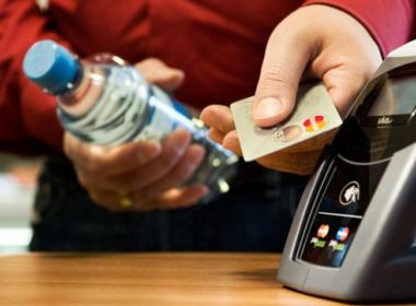 Thụy Điển đang hướng tới xã hội không tiền mặt - Máy in thẻ nhựa, máy dập nổi, đầu đọc thẻ nhựa