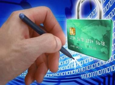 Báo cáo Thủ tướng phương án đẩy mạnh cấp chứng thư số cho người dân, doanh nghiệp trước 30/8 - Máy in thẻ nhựa, máy dập nổi, đầu đọc thẻ nhựa