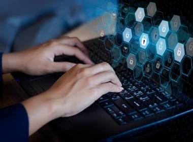 NatWest thử nghiệm sinh trắc học hành vi cho xác thực danh tính - Máy in thẻ nhựa, máy dập nổi, đầu đọc thẻ nhựa