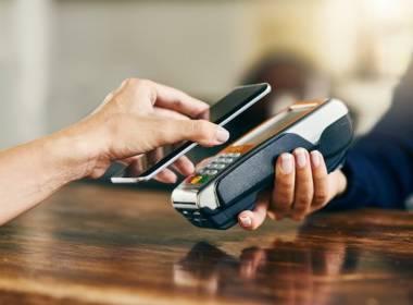 Covid-19 đã thay đổi thói quen thanh toán của người dùng - Máy in thẻ nhựa, máy dập nổi, đầu đọc thẻ nhựa