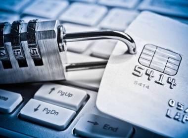 623 nghìn thẻ thanh toán bị lộ thông tin trên diễn đàn tội phạm - Máy in thẻ nhựa, máy dập nổi, đầu đọc thẻ nhựa