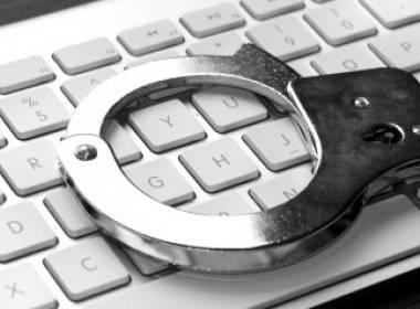 Bắt giữ một công dân Nga điều hành web đen bán thông tin thẻ - MK