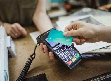 75% người tiêu dùng Mỹ thích sử dụng thẻ không tiếp xúc - MK