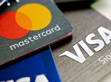 Danske Bank thay thể thẻ thanh toán bằng chất liệu tái chế - Máy in thẻ nhựa, máy dập nổi, đầu đọc thẻ nhựa