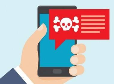 """""""Chân dung nạn nhân"""" trong các vụ đánh cắp tiền trực tuyến   - Máy in thẻ nhựa, máy dập nổi, đầu đọc thẻ nhựa"""