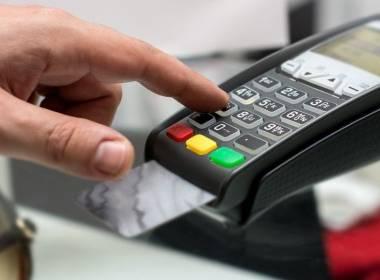 Giao dịch thẻ Chip Visa tăng gần 100% trong tháng 6 - MK